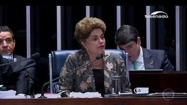 Dilma se defende no Senado, fala em novas eleições e responde perguntas - Em uma sessão que durou mais de 14 horas, a presidente afastada Dilma Rousseff respondeu perguntas dos senadores e discursou emocionada.