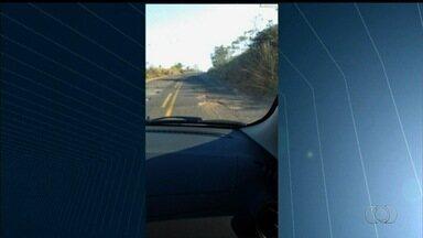 Motorista grava vídeo para denunciar situação precária da GO-210 na região sul de Goiás - Buracos tomaram praticamente todo o asfalto da via.