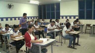 Número de estudantes matriculados na Educação de Jovens e Adultos aumenta em Alagoas - Nos últimos dois anos a quantidade de pessoas inscritas para o EJA quase dobrou.