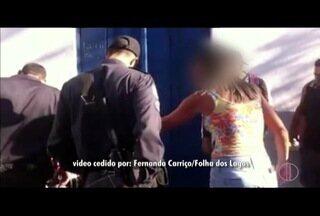 Homem é imobilizado por moradores por suspeita de furtar um celular no centro de Cabo Frio - Roubos de rua rubiram no estado, segundo o ISP.