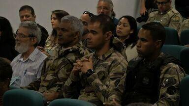 Especialistas discutem como evitar a invasão de javalis em lavouras - Especialistas discutem em Brasília como evitar a invasão de javalis em lavouras.