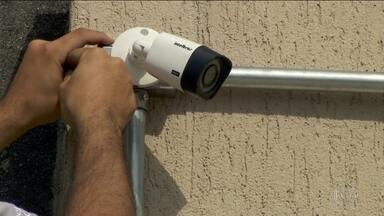 Número de instalações de câmeras em residências cresce 30% nos últimos seis meses - Colocar câmera de segurança em casa, nos prédios e nos comércios é uma tendência.
