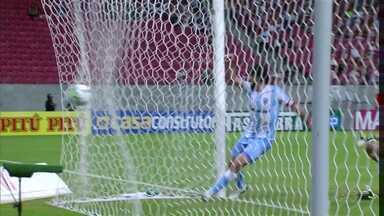 Mais dois gols fora de casa e o Londrina fica mais perto do G4 na série B - O Tubarão manteve a escrita de se dar bem na casa do adversário e venceu o Náutico. Veja os gols do jogo.