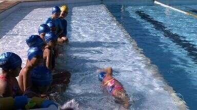 Você conhece todos os benefícios da natação? - Esporte é completo e muito recomendado pelos médicos. Trabalha toda musculatura do corpo, ajuda no emagrecimento e adia o envelhecimento.