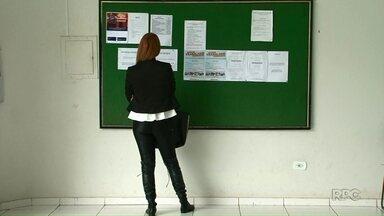 Cianorte, Paranavaí e Umuarama perdem 1.797 postos de trabalho no ano - Quem está à procura de emprego encontra cada vez menos vagas nas agências do trabalhador. Diante disso, muita gente tem procurado diretamente as empresas para voltar ao mercado de trabalho.
