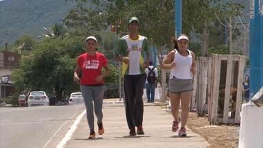 Moradores de Jequié se aquecem para o Circuito Sesc de Caminhada e Corrida - A prova acontece nesse fim de semana; confira os detalhes.