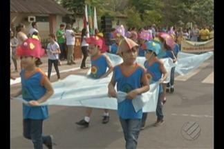 Alunos desfilam no Dia da Raça em Paragominas - Estudantes de 25 escolas participaram da programação.