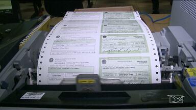 Eleitores no MA que mudaram zona eleitoral ganham prazo para receber novo título - Eleitores têm até o dia 22 de setembro para buscar novos títulos. O Tribunal Regional Eleitoral do Maranhão (TRE-MA) está fazendo plantões nos fins de semana para atender a demanda dos eleitores e dos partidos políticos.