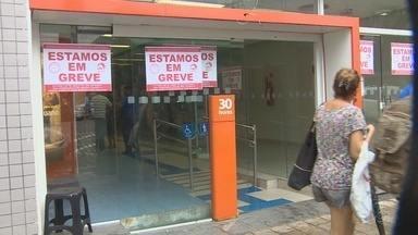 Bancários do Amazonas iniciam greve nesta terça-feira (6) - Categoria quer melhorias salariais e mais segurança em agências