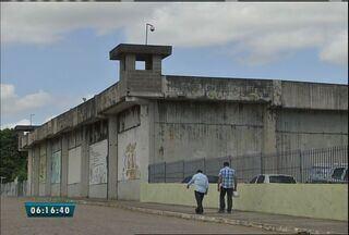 Agentes apreendem 165 celulares, chips e baterias em presídio do Ceará - Foram achados cartões de memória e carregadores.