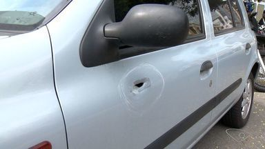 Policial se envolve em briga e atira em motorista em Vila Velha no ES - Sargento do BME levou uma fechada, perseguiu e atirou no motorista. Vítima levou dois tiros e foi levado para o Cias.
