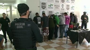 Polícia Civil faz operação e prende 13 pessoas em Paranavaí e região - Além das prisões, teve drogas e celulares apreendidos.
