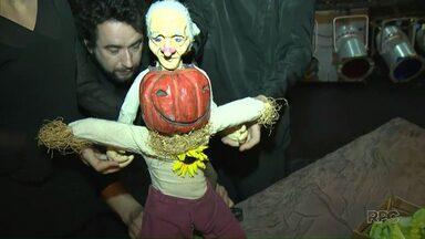 """Teatro de bonecos é uma das atrações no último fim de semana do Filo - Serão duas apresentações do espetáculo """"O velho da horta"""", no Teatro Mãe de Deus."""