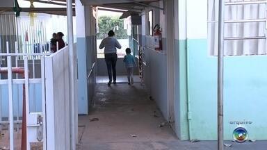 Defesa Civil interdita creche em bairro de Birigui por causa de problemas estruturais - A Defesa Civil interditou totalmente uma creche no bairro João Crevelaro em Birigui (SP). O prédio já tinha sido interditado parcialmente em julho, por causa de problemas estruturais.