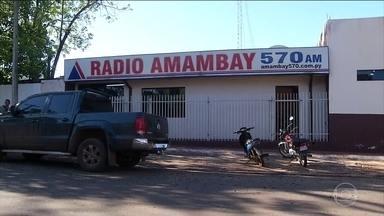 Rádio é atacada durante transmissão ao vivo no Paraguai - A suspeita da polícia é de que seja uma represália de traficantes. A locutora Patricia Ayala pediu socorro ao vivo
