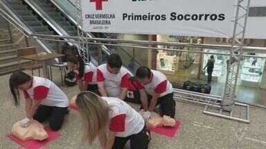 Cruz Vermelha de Santos faz ação até domingo para comemorar o Dia dos Primeiros Socorros - Objetivo é orientar a comunidade sobre a importância do primeiro atendimento.
