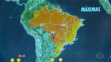Confira como fica o tempo nesta terça-feira (13) em todo o país - Previsão de chuva forte no Sul, com ventania. Ventos fortes em SP também com chuva chegando à noite, na capital paulista.