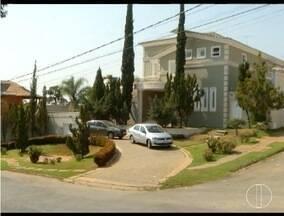 PC cumpre mandados de busca e apreensão na casa de Ruy Muniz - Operação Tolerância Zero começou com prisões de servidores do município.