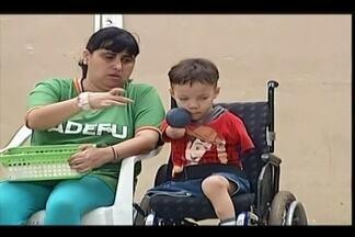 Crianças e jovens querem se tornar atletas paralímpicos em Uberaba - Caíque, de 7 anos, Ana Vitória de 12, e Junio de 17, são promessas de medalhas para o futuro. Atletas mirins praticam equitação e bocha em cadeira de rodas.