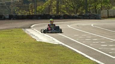 Campeonato Paranaense de Kart movimenta o comércio de Cascavel - Campeonato é realizado neste fim de semana em Cascavel.