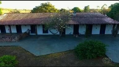 Fazenda onde ex-presidente Juscelino Kubitschek é reaberta para visitação, em Goiás - Propriedade estava fechada há cinco anos. Lugar ajuda a contar uma parte importante da história do país.