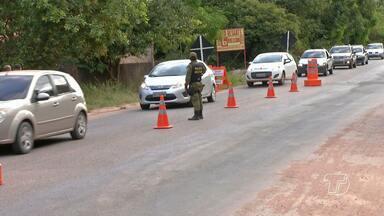 Barreira na Rodovia Everaldo Martins monitora trânsito durante o Sairé - Até a tarde de domingo (18), período de maior fluxo, nenhum acidente havia sido registrado.
