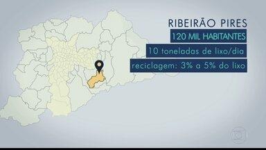 Ribeirão Pires é a parada da viagem que o BDSP faz pelas cidades da Grande SP - A cidade com 120 mil habitantes produz cerca de dez toneladas de lixo por dia. Mas, apenas de 3% a 5% são reciclados. A reportagem faz parte da série sobre eleições do BDSP, que percorreu 38 cidades da região metropolitana, exceto a capital.
