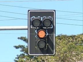 Após reclamações, Semav altera funcionamento de semáforos - Mudança entra em vigor a partir de segunda-feira (26), em Presidente Prudente.