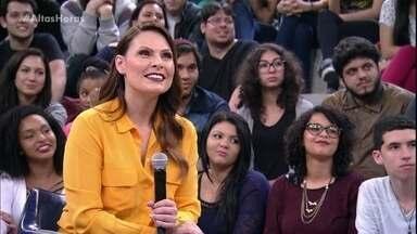 Jackson Faive faz pergunta para Laura Muller - A sexóloga responde perguntas da plateia