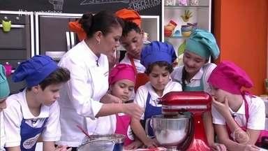 Workshop Cupcake - A chef Renata Arassiro ensina as crianças a fazer deliciosos bolinhos recheados