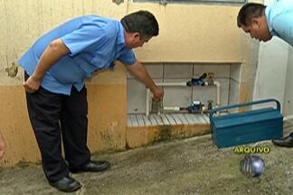 Sabesp flagra ligação clandestina de água em posto de combustíveis - Desvio chegava a 100 mil litros por mês.
