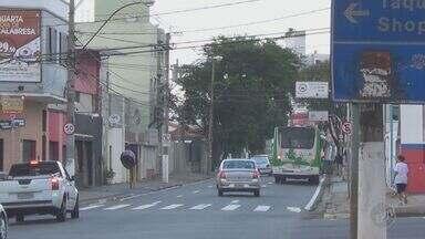 Motoristas desrespeitam corredores com faixas exclusivas para ônibus em Campinas - Falta fiscalização e conscientização dos condutores. A EPTV, afiliada da TV Globo, flagrou vários registros de irregularidades.