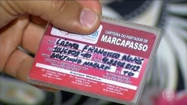 Pacientes internados com problemas cardíacos não conseguem cirurgia no Tocantins - Por falta de material, 30 pacientes estão internados à espera de cirurgia. A lista de espera passa de 700 pessoas.