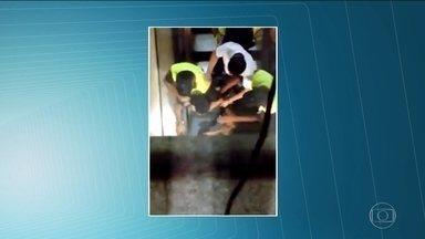 Vídeos mostram confrontos entre ambulantes e seguranças em estações da CPTM - O número de apreensões cresceu 12% entre o ano passado e este ano. E o número de denúncias contra ambulantes teve aumento de 170%. O problema é que quando a fiscalização chega, muitas vezes o caso termina em violência, como mostram os vídeos enviados ao SPTV.