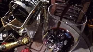 O mundo dos vinhos (parte 1) - No dia do enólogo, profissional responsável pela elaboração dos vinhos, o Meu Paraná mostra o mercado de um produto cada vez mais presente no dia a dia dos paranaenses. É um universo que tem atraído novos negócios para o Paraná e criado novas oportunidades de emprego.