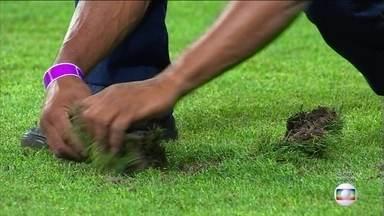 Palmeiras e Sport jogam em gramado desgastado por causa de shows - Palmeiras e Sport jogam em gramado desgastado por causa de shows