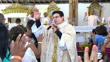 Comunidade Obra de Maria comemora 26 anos de serviços sociais e religiosos - Grande show de celebração acontece no domingo (23), na Arena Pernambuco.