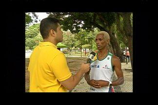 Campeão do ano passado já está em Belém para Corrida do Círio - Campeão do ano passado já está em Belém para Corrida do Círio