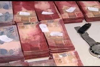 Grupo é preso com notas roubadas de caixa eletrônico na Grande BH, diz PM - Três homens e 1 mulher foram em blitz em Contagem.