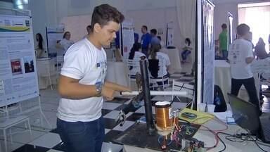 Estudantes dão show de criatividade em feira de tecnologia, em Ponta Porã - Eles apresentaram 53 projetos inovadores.