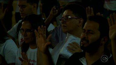 """Grupo """"Beatriz clama por justiça"""" realiza movimento - Eles realizaram um momento de fé na Concha Acústica de Petrolina"""