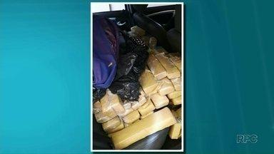 Polícia federal apreende cerca de 500 quilos de maconha - A droga foi encontrada dentro de um carro que estava escondido em um motel.