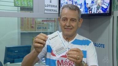 Manauaras tentam sorte para levar bolada de R$ 42 milhões - Loterias da capital ficaram lotadas.