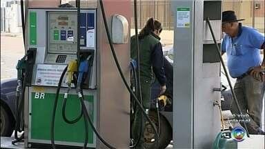 Saiba como está o preço do combustível nas regiões de Sorocaba, Jundiaí e Itapetininga - Mesmo com a redução divulgada pela Petrobras, os preços do etanol e da gasolina subiram. A gente faz um giro pra saber quanto está custando nas cidades da região.