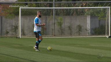 Douglas volta a treinar e deve enfrentar o Cruzeiro - Com o camisa 10, Grêmio aumenta chances de gol.
