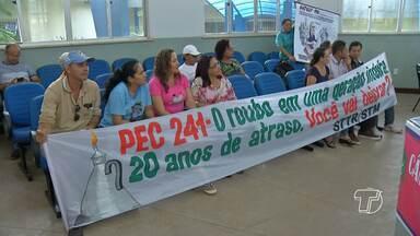 Manifestantes fazem ato contra PEC 241 na Câmara de Vereadores de Santarém - Coordenação dos manifestantes esteve na sede do Poder Legislativo para ouvir a opinião dos vereadores sobre o tema.