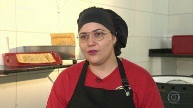 Conheça o pastel de Escondidinho de Carne Seca da Cris - Ana Maria conta para jurados que experimentou 20 pastéis em um dia no concurso 'O Melhor Pastel do Brasil'