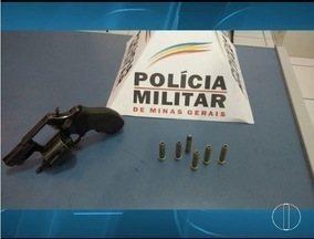 Rapaz é preso com arma no Bairro Santa Rita, em Montes Claros - Arma seria de um jovem morto a tiros no dia 5 deste mês.