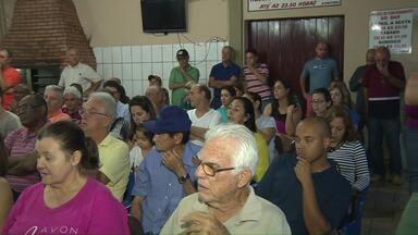 Moradores do Jardim Santa Mônica reivindicam mais segurança no bairro - Os moradores fizeram uma reunião para discutir o assunto. Só no primeiro semestre deste ano foram 324 roubos à residência em Londrina, aumento de 46% em relação ao mesmo período do ano passado.