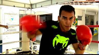 Muhhamad Al Mesquita Filho segue os passos do pai no boxe - Filho do pugilista Muhhamad Mesquita inicia carreira profissional